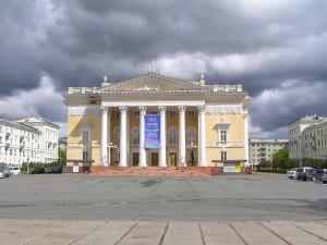 Здание на пл. Ленина
