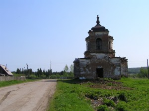 Почти развалины церкви