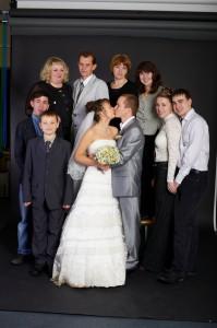 Еще одна групповая фотка, но мы целуемся