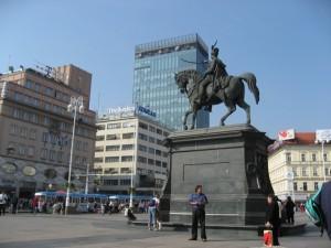 Центральная площадь Загреба. Памятник Елачичу с другой стороны
