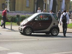 Смарт - машина для экономных и неприхотливых людей. Зато удобно парковаться!