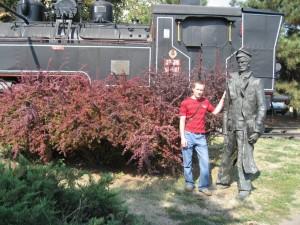 Я возле старого паровоза в Нови-Саде