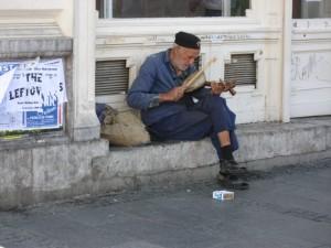Старики не везде богатые