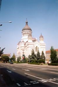 Православная церковь в Клуж-Напоке (Румыния). Я сидел там на лавке и ел дыню, до сих пор помню. 2001 год