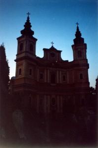 Мрачноватая трансильванская фотка. Орадя (Румыния). 2001 год