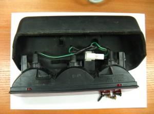 Дополнительный стоп-сигнал с тремя лампами. Вид сверху