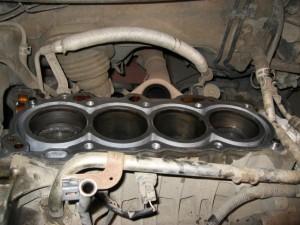 Сняли еще часть двигателя