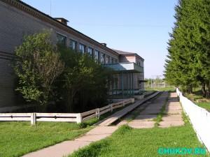 Вид на школу в Бундюре с восточной стороны